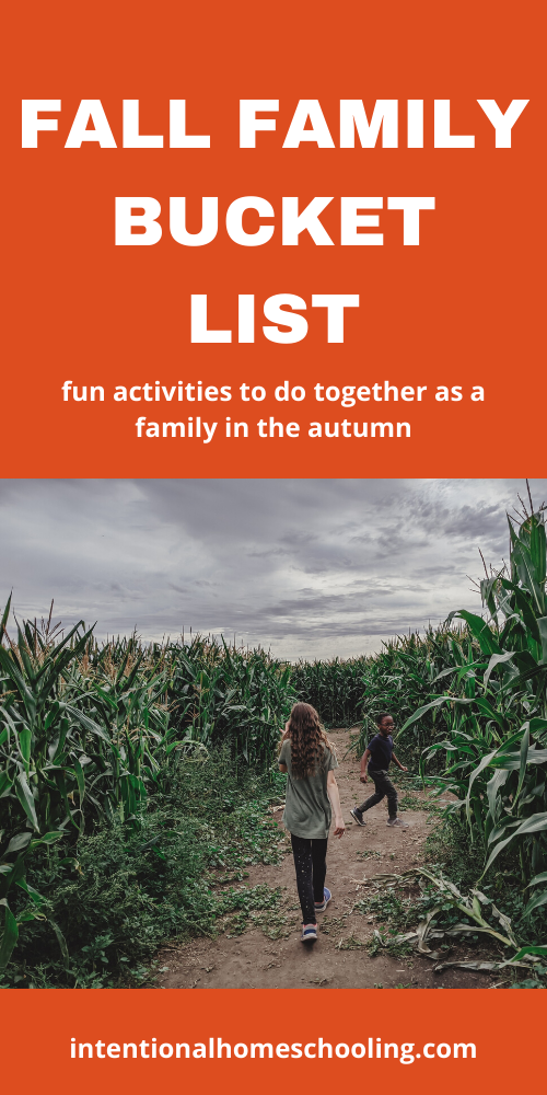 Fall Family Bucket List: lots of fun family activities to do together as a family in the autumn